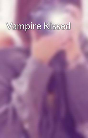 Vampire Kissed by xPudding