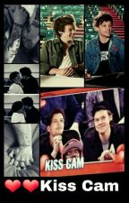 Kiss Cam - Larry by rai_fiori