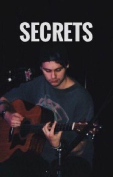 Secrets ➳ Michael Clifford