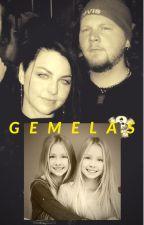 GEMELAS by HeidiMadeOfStone