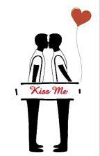 Kiss me by zac_06