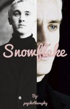 Snowflake/Draco Malfoy by psychotheraphy