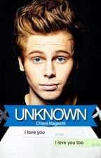 Unknown| Luke Hemmings by clearhood