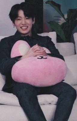 j.jungkook ;; ôm gấu bông