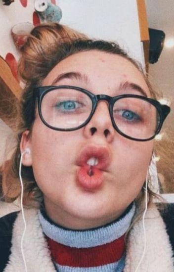 My twin sister Emma Chamberlain - KatrinaxoRose - Wattpad