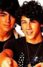 Collection Of Jonas Brothers Oneshots and requests (I do not write for Kevin) by dreamofmusic16