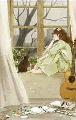 Cô gái bên cạnh cửa sổ