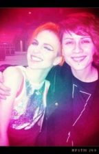 A Different Tayley (Tegan Quin and Hayley Williams) by Gracehelbabe