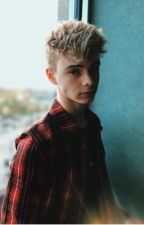 Lovers (corbyn besson love story) by Hufflepuff_626