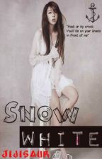Snow White (HIATUS) by Jijisaur