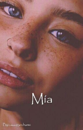 Mía «C.R.O» by cazzugarchame