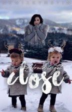 Close    Demi Lovato by demixkyrstin