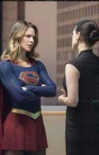 Supergirl, el ángel que camina entre las sombras by TheWomanWhoo