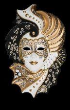 Die Gesichter hinter der Maske by eve_ellenberger