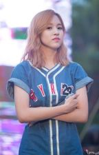 She's dating the player?! ( Mina x Reader ) by R2E4D_
