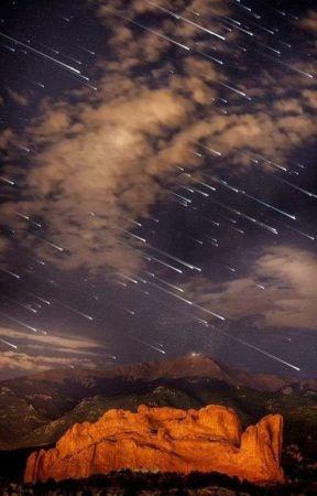 Lluvia de estrellas Riren SNK by The_DamnQueen