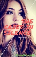She Cries In Silence (Español) by 0LucyHaruno0