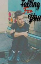 Falling For You. [Matty Healy Fanfiction] by boybandslag