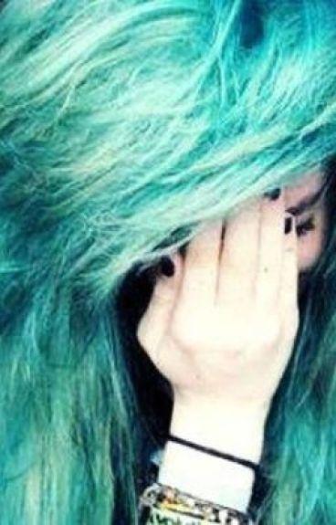 La chica del pelo azul...