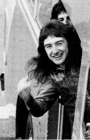 Smile for me, John Deacon by lensqu