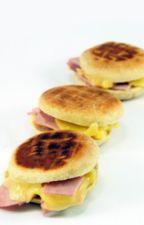 Pan con queso y un poco de jamón  :3 by Maddison_415