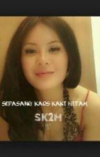 Sepasang Kaos Kaki Hitam. by TheEye23