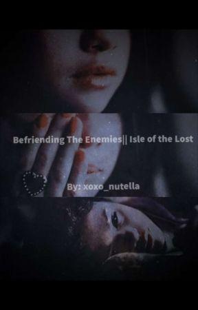 Scarlett: Befriending The Enemies|| Isle of The Lost  by NutellaEmpress