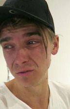 He's Broken~Joanne by twinklingpisces