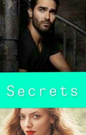 Secrets (Derek Hale Fanfiction)  by lycee_24