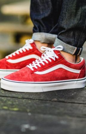 the girl with the red vans - Meeting