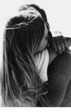Gioco di sguardi e finisci per innamorarti  by NoemiGiudice