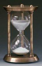 Hour Glass by GracefulButterflies