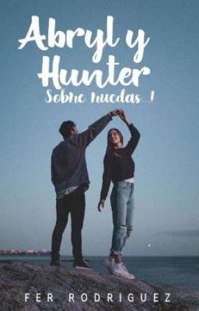 Abril & Hunter sobre ruedas by x_UwU16_x