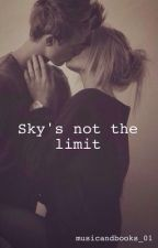 Sky's Not The Limit ||Luke Hemmings by musicandbooks_01
