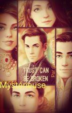 Mystérieuse by LunaClaire7