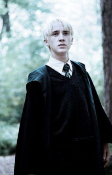 La magia es peligrosa, pero el amor lo es aun mas- (Draco Malfoy y tu)