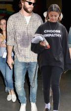 Liam Hemsworth x Selena Gomez  by lilcpt