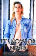 It's Now Or Never by BeatrizAlexandra