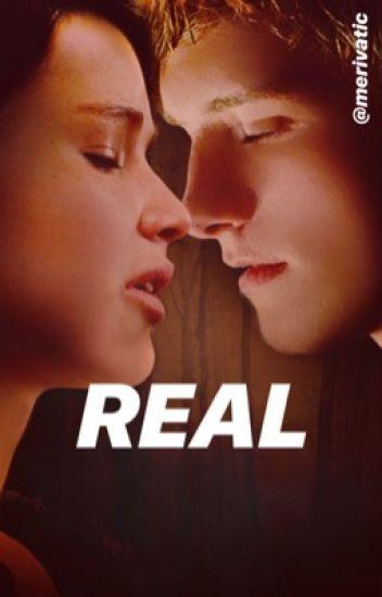 Peeta y Katniss : Real.