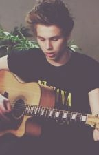 Luke Hemmings Smut (13+) by rainbowduck1122