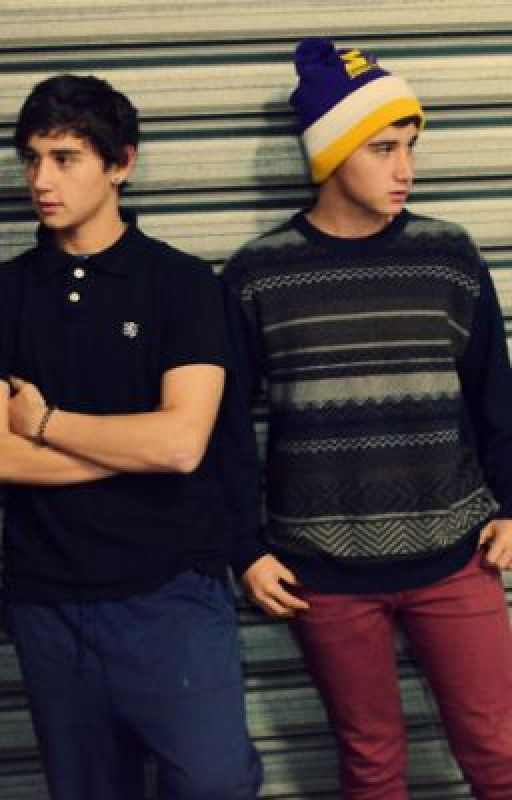 You are my soul mate ~ Luke Brooks/Janoskians fanfic~ by EdJanoskians1D