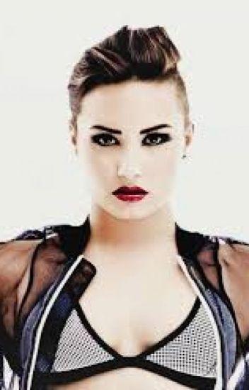 the sex slave (a Demi Lovato fanfic gxg)