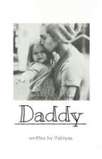 Daddy || Luke Hemmings (unvollständig) by xhiyax