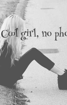 cool girl no phone