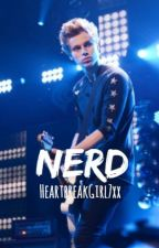 nerd // luke hemmings [editing] by newbrokenscenekid