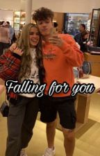 Falling for you ( a Bryce Hall and Addison Rae love story ) by randomxstoryss