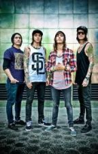 Disasterology. (Vic Fuentes Fan Fic) by hanzfreaxx