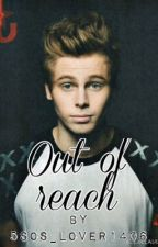 Out of reach l.h by 5sos_lover1406