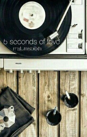5 seconds of love (Luke Hemmings FF)