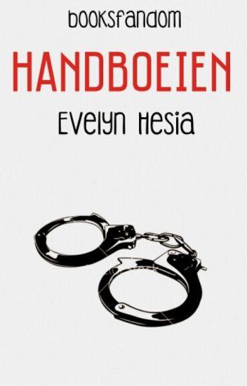 Handboeien Evelyn Hesia ( Heel langzaam aan het verbeteren)